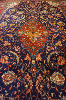 - Magnificent Persian carpet- -Province: Sarouk- -Made in Iran- -Dimensions 210 x 345 cm- -very good-