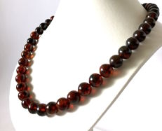 Baltic Amber necklace of 52 cm - beads ø11.5 mm, weight 38.8 grams