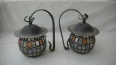 Pair of wall lamps in wrought iron and stained glass