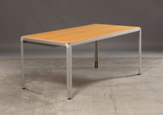 "Arne Jacobson for Montana – table, model ""Djob"""