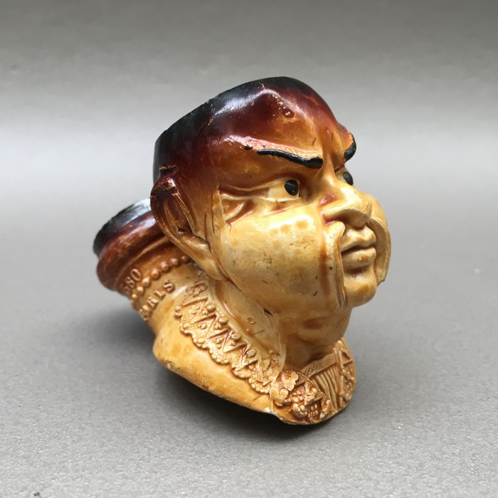 "Figural clay pipe by Gambier, ""Chinois"", model nr. 380- France, ca. 1890"