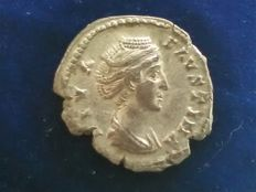 Roman Empire - Faustina senior (post 141) - denarius