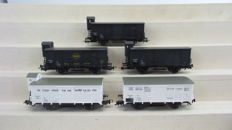 Piko H0 - 54018/95569/95427 - 5-part boxcar set with covered freight carriages of the NS, era III