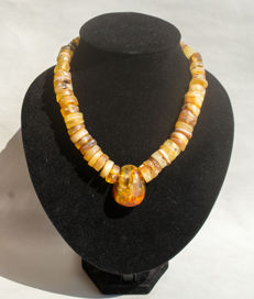 Old Baltic Amber necklace with pendant in butterscotch / honey colour,  71 gram