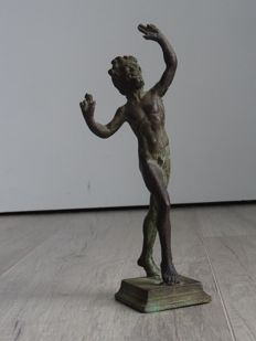 The Dancing Faun - patinated bronze sculpture - Grand Tour object - in the late 19th or early 20th century