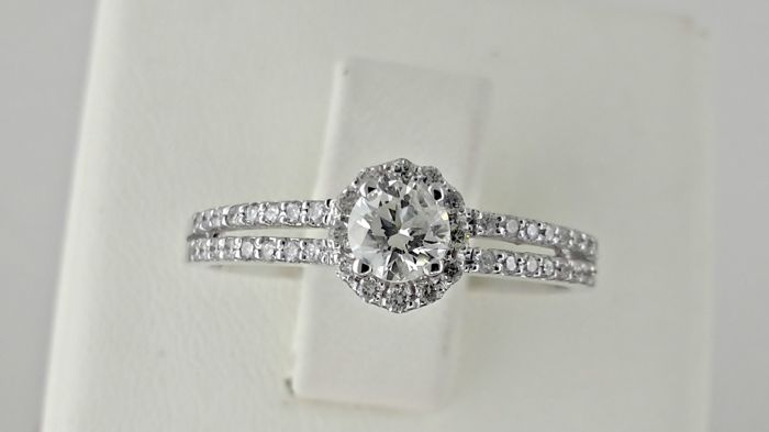 0.53 Ct D/VS2 round diamond ring made of 14 kt white gold *** No Reserve Price ***