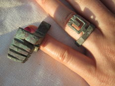 Early European Roman ring keys -(2)