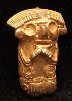 Interesting Tumbaga Gold,  artifact , Colombia , Tairona Culture ,  34 x 15 x 16 mm , 9,9 grams, A pendant of an old native amulet