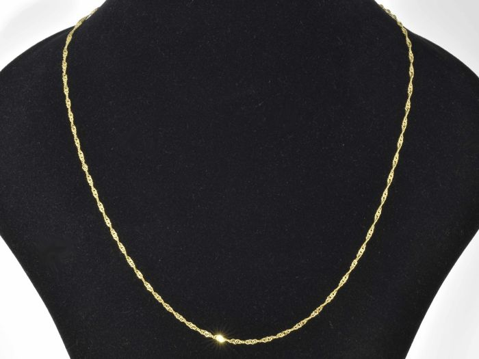 "18k Gold Necklace. Chain ""Singapore"" - 50 cm"