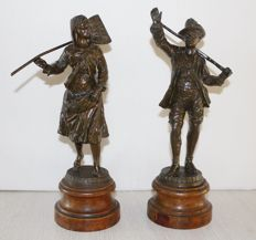 Set of Zamac sculptures of a hunter with his wife - France - ca. 1900