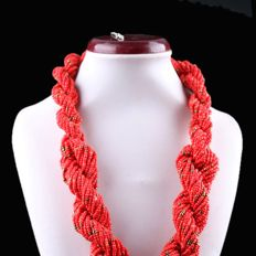 Torchon coral necklace with silver clasp - China