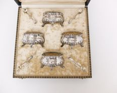 Salt and pepper cellars in original case, solid silver, Delheid, Brussels, Belgium, 20th century, LXVI style, garlands