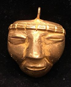 Tumbaga Gold , artifact , Colombian ,  Tairona Culture  , 34 x 27 x 15 mm , 9,7 grams , A pendant of an indian native mask