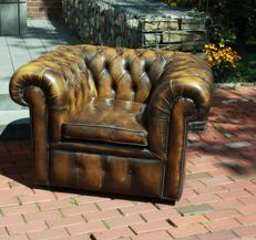 Leather quilted Chesterfield style armchair, England, circa 1977