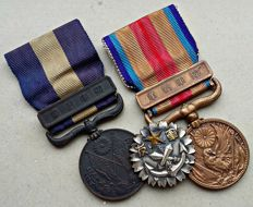 WWI/WWII: Japan - 1914-20 Siberia War Medaille - 1937 China Incident Medaille - Paramilitary Badge.