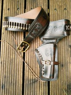 Leather belt for 1 revolver - type western - 21st century