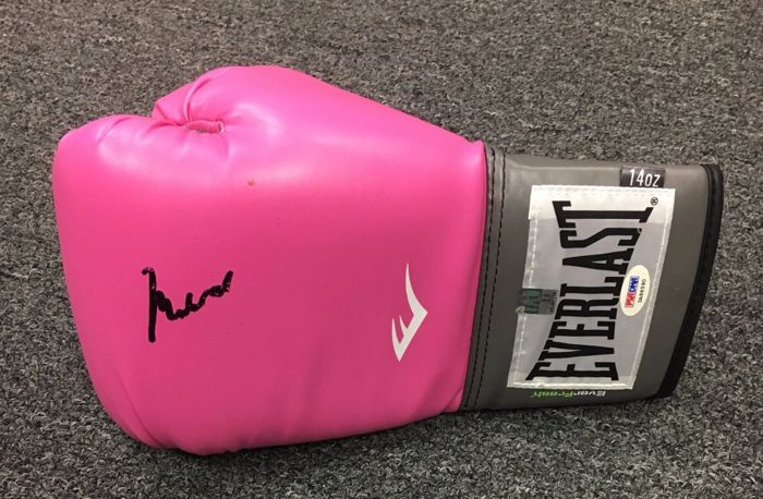 Muhammad Ali (RIP) - Originally signed extremely rare boxing Everlast glove  + Letter Of Authenticity (LOA) from PSA/DNA Gem Mint 10 Original Ali COA Cassius Clay