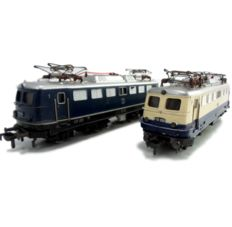 Fleischmann H0 - 1337 - Set of two electric locomotives BR E10 in blue and blue/beige of the DB