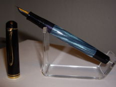 Vintage Pelikan M200 Old Style version piston filler fountain pen blue marbled