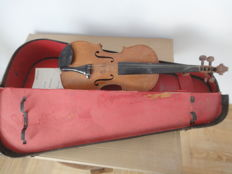 Antonio Stradivari violin - notes - case - Czechoslovakia