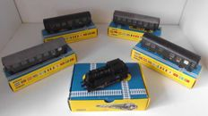 "Trix Express - H0 - 2411/2725/3726/3727 - steam locomotive Series BR80 & 4 x passenger carriages ""umbauw wagen"" of the DB"