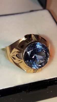 Vintage gold ring whit light blue 3,0 ct blue stone, No reserve
