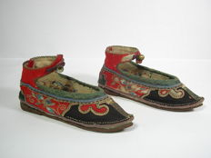 1 pair of lotus shoes - China - 19th century