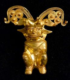 A fabulous  ,  anthropomorphic and zoomorphic ,Tumbaga Gold , artifact , Colombian , Tairona Culture ,   111 x 123 x 45 mm ,  140,75 grams ,   A ceremonial Grand Shaman , with jaguar head