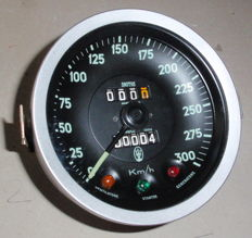 Speedometer/odometer for Maserati