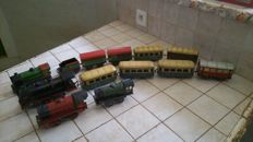 Hornby-FR, GB/ Jep, Rossignol, France - Scale 0 - Lot of 4 tin locomotives with carriages, 50s