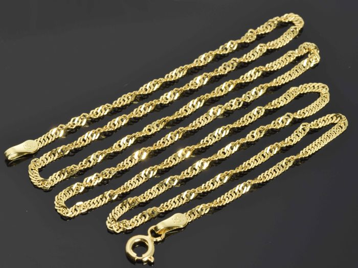 18k Gold Necklace. Chain - 44.5 cm. No reserve price.