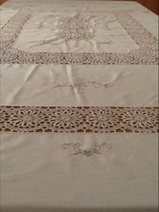 Elegant tablecloth hand embroidered with crochet inserts
