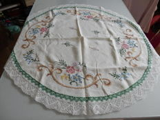 Beautiful and old great tablecloth, round in pure 100% thick cotton fully embroidered flowers