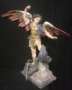 Sculpture of the Archangel Michael and Lucifer in pine wood, painted and carved by hand - Italy, Florence - late 18th century