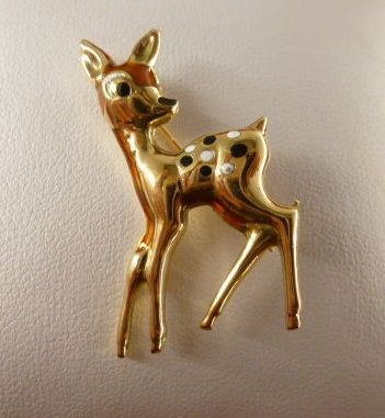 Golden brooch representing a fawn, made in the '70s