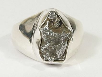 Campo del Cielo slice in ring-setting - sterling silver - 14.30 x 10.50mm - 10.76gm