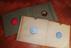 2 nice record binders with 16 78 rpm gramophone records, classical