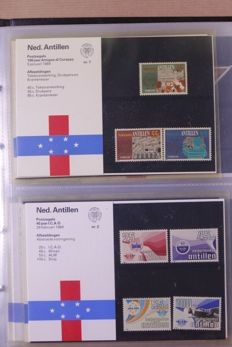 World 1900/1991 – batch in six  stock books, stock card and album