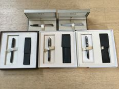 Parker collection consisting of 5 pens, each with its own packaging