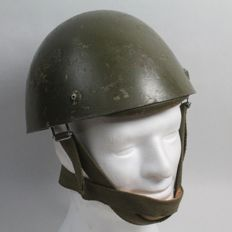 Italian Helmet 42/60 model for military paratrooper.