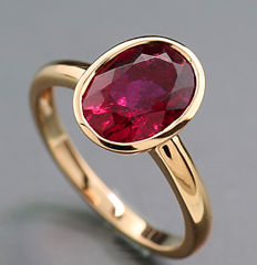 Solid tourmaline ring, red tourmaline of 2.78 ct, 750 pink gold