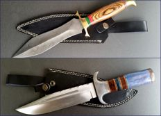 2 Pieces - Original Damascus Steel, carbon steel and Damascus Steel hunting knife, dagger - handmade hunting knife with cow hide leather