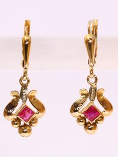 Gold vintage short hanging earrings - anno 1945