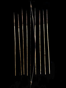Set of bow and 8 arrows - KOROWAY PEOPLE ASMAT - West-Papua