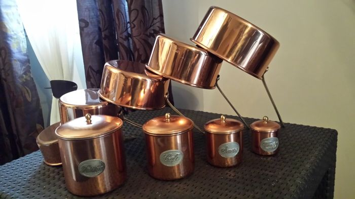 Superb set of 5 pans, with 4 tinned copper spice cups, and solid brass handle