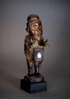 African Tribal NKISI N'Kondi figure. Democratic Republic of the Congo.