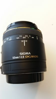 Sigma 50mm lens 2.8 MACRO with Canon EF mount