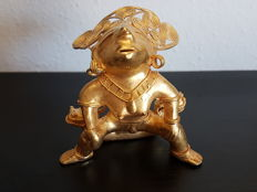 Amazing and original Pre-Columbian Figure Tumbaga Gold Artifact - 100 X 45 X 30 mms , 120.90 grs