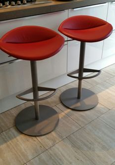 "Niels Bendtsen for Montis - Set of 2 ""Mick"" designer bar stools"