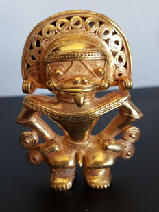 Amazing and original Pre-Columbian Figure Tumbaga Gold Artifact - 79 X 60 X 28 mms , 71.80 grs
